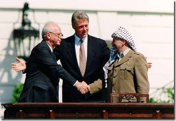 Bill_Clinton_Yitzhak_Rabin_Yasser_Arafat_at_the_White_House_1993-09-13